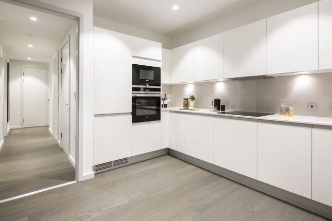 Thumbnail Flat for sale in Xy Apartments, Maiden Lane, London