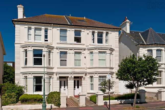 Thumbnail Flat for sale in Westbourne Villas, Hove