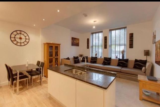 Flat to rent in Wentworth Court, Penistone, Sheffield