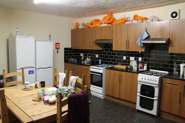 Thumbnail Flat to rent in Highnam Crescent Road, Sheffield
