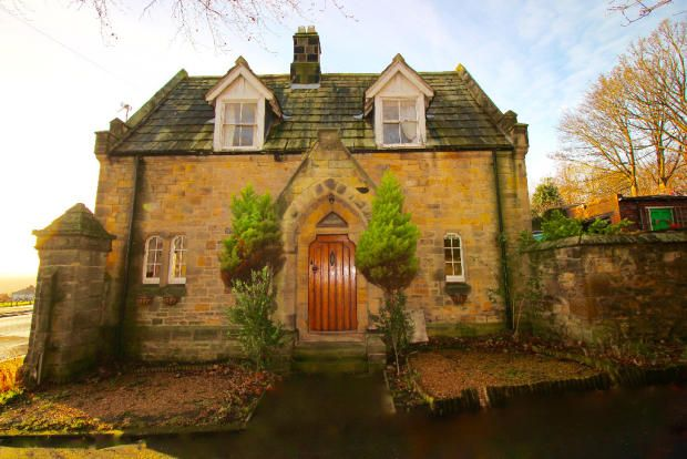 Thumbnail Cottage for sale in The Lodge, Newcastle Upon Tyne