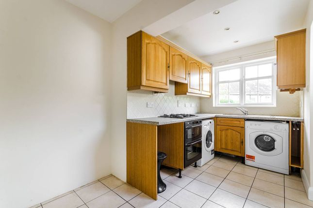 Thumbnail Property for sale in Fowlers Walk, Ealing