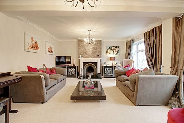 Living Room of Mount Close, High Wycombe HP12