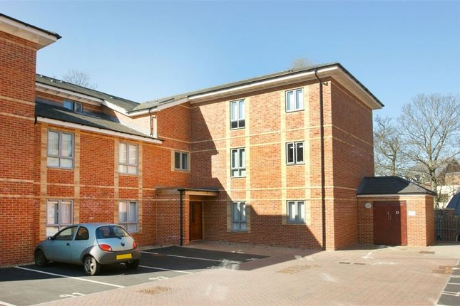 Thumbnail Flat for sale in College Mews, York