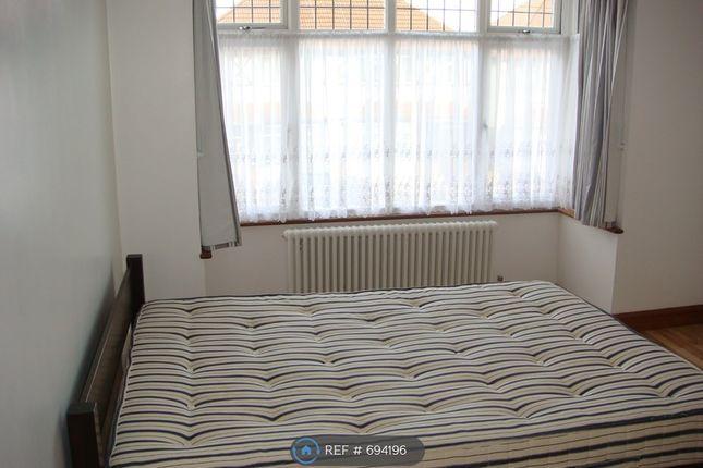 Double Bedroom 4 of Taunton Avenue, Hounslow TW3
