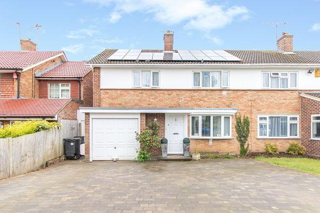 Thumbnail Property for sale in Falconwood Road, Addington, Croydon