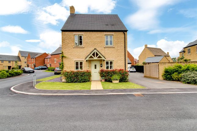 Thumbnail Detached house for sale in Cotswold Link, Moreton-In-Marsh