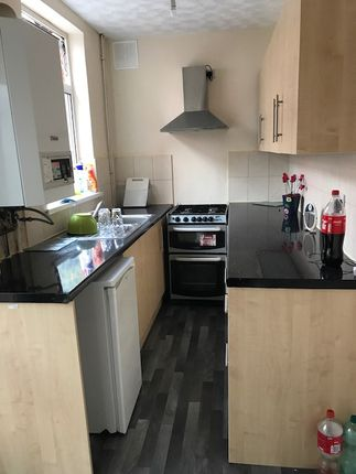 2 bed terraced house to rent in Henton Road, Leicester