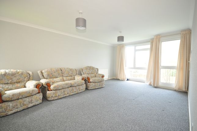 2 bed flat to rent in Dorchester Gardens, Worthing