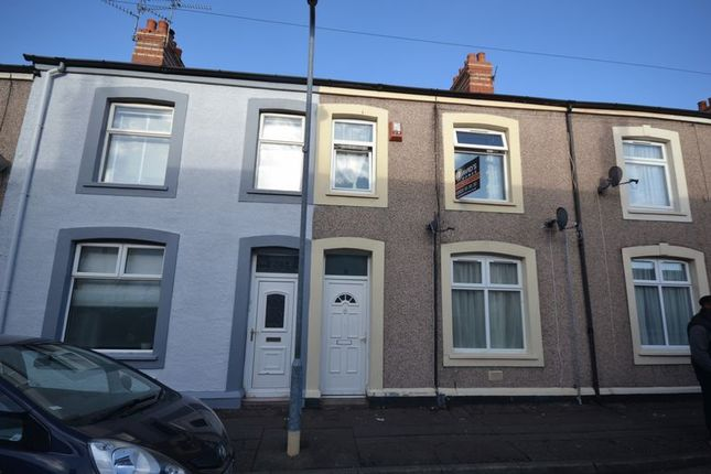 2 bed flat to rent in Newport Street, Cardiff