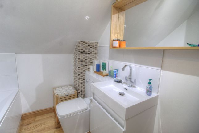 Bathroom of Went Edge Road, Kirk Smeaton, Pontefract WF8