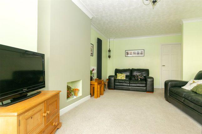 Lounge of Fearnville Mount, Leeds LS8
