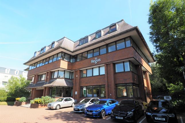 Office to let in 3rd Floor South Suite, Afon, Worthing Road, Horsham