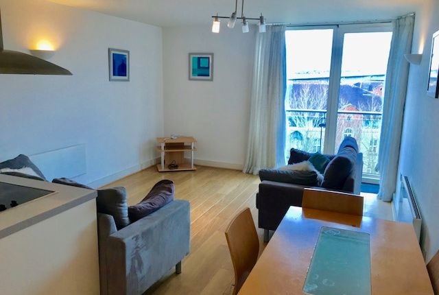 Thumbnail Flat to rent in Mistral, Ocean Village, Southampton
