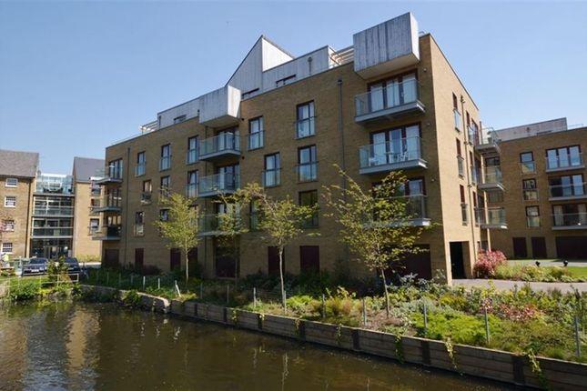 Thumbnail Flat to rent in Kings Island, Denham, Uxbridge