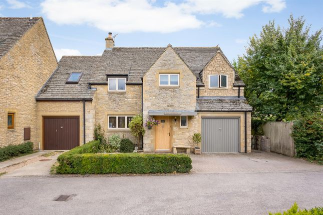 Thumbnail Property for sale in High Street, Kempsford, Fairford