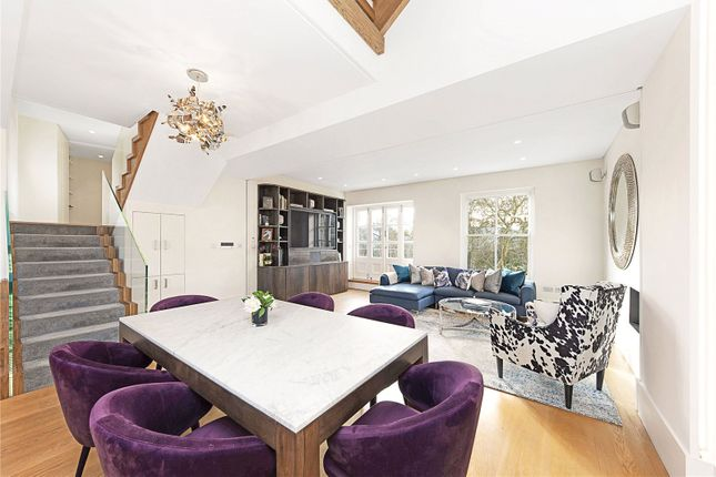 Thumbnail Flat to rent in Stanley Crescent, London