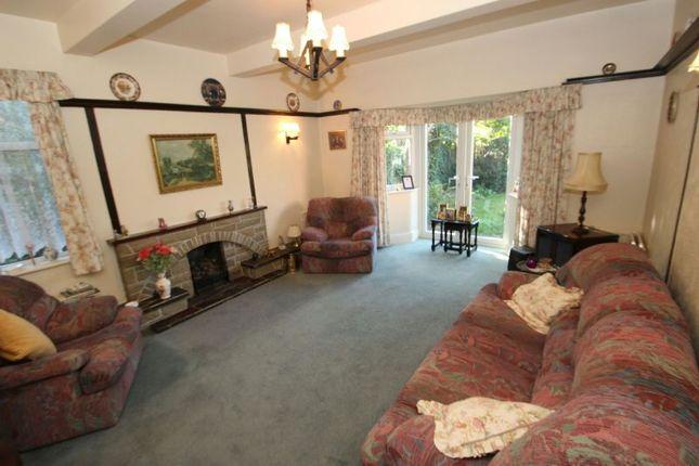 Lounge of Fownhope Avenue, Sale M33