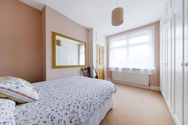 Highres2304563 of Angel Road, Thames Ditton KT7