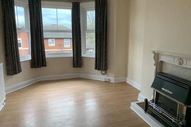 Thumbnail Flat to rent in Alexander Road, Llandrindod Wells