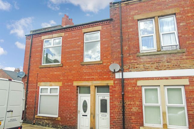 Thumbnail Flat to rent in Crowley Road, Swalwell, Newcastle Upon Tyne
