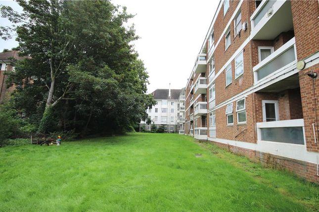 Thumbnail Flat to rent in Hanger Lane, Ealing, London