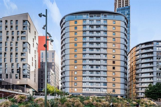 2 bed flat for sale in Ebbett Court, Victoria Road, London W3