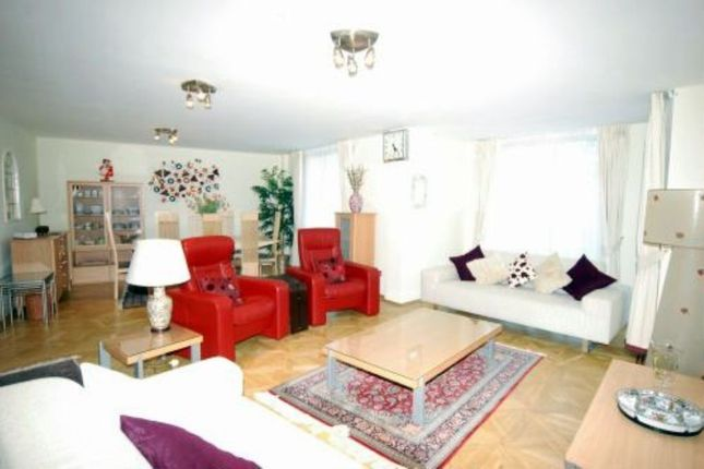 3 bed flat for sale in Palgrave Gardens, London