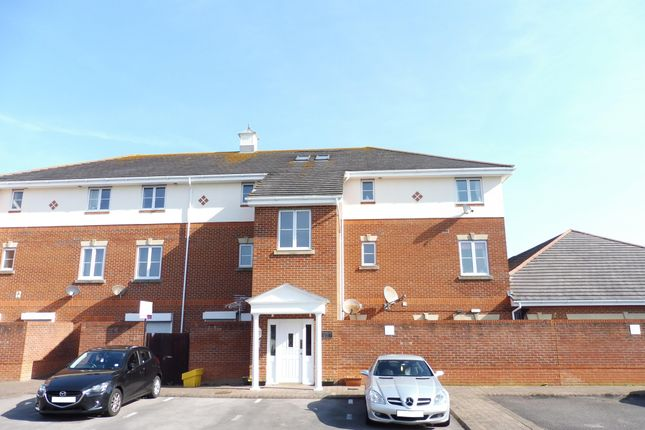 Thumbnail Flat to rent in Dartmouth Court, Gosport