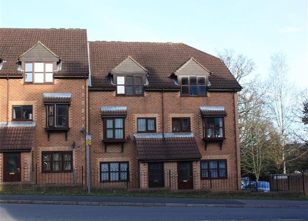 Thumbnail Flat to rent in Ashmead, Bordon