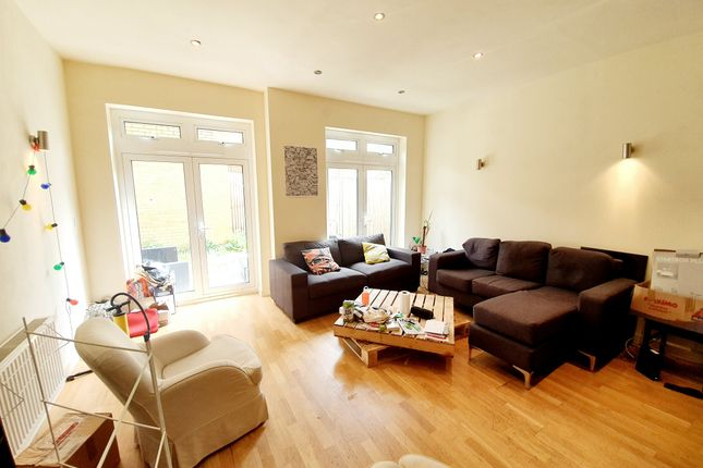 Thumbnail Town house for sale in Hertford Road, London