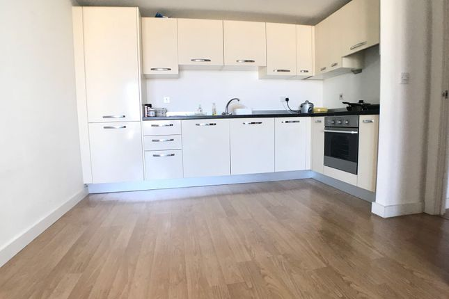 Thumbnail Flat to rent in Skyline, St Peters Road, Leeds