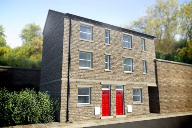 Thumbnail Town house to rent in Kilner Bank, Huddersfield