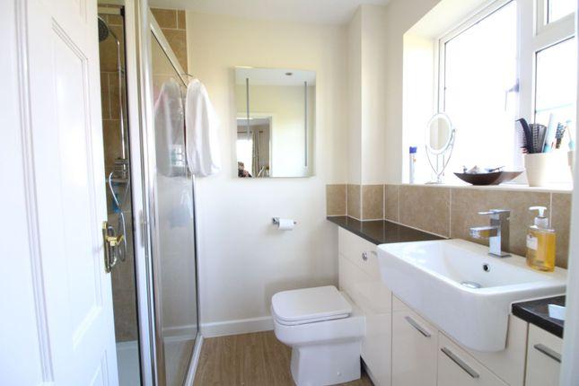 En-Suite of Oldfield Road, Bromley BR1