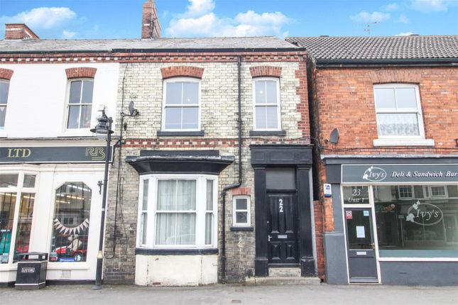 Thumbnail Flat for sale in Middle Street South, Driffield