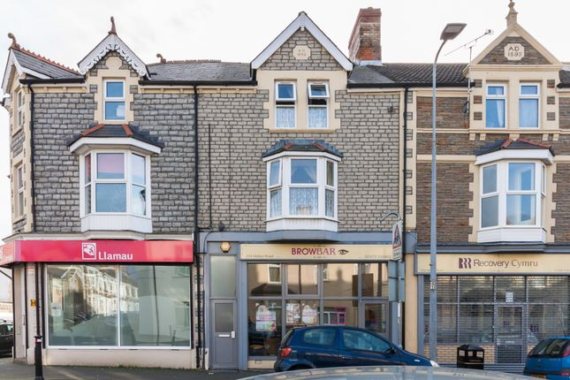 Thumbnail Maisonette for sale in Holton Road, Barry