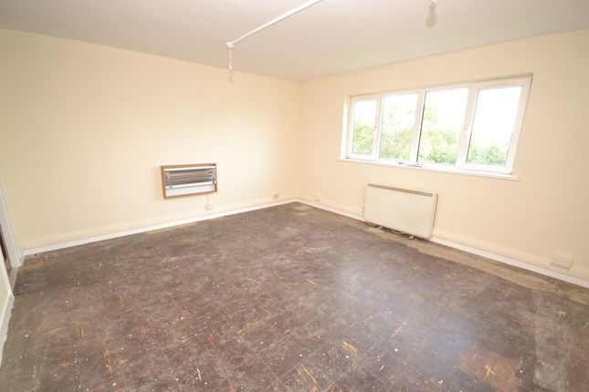 Thumbnail Studio to rent in Rothesay Avenue, Newcastle-Under-Lyme