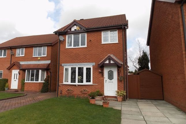 Thumbnail Detached house to rent in Wayfaring, Westhoughton, Bolton