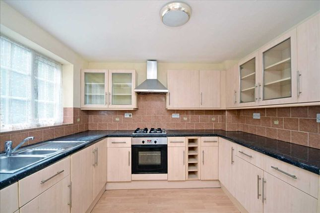 Thumbnail Terraced house to rent in Spindlewood Gardens, Croydon