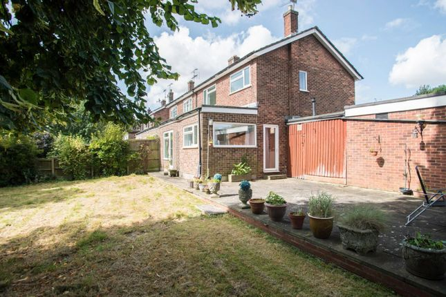 Thumbnail Semi-detached house for sale in Bakers Meadow, Doddinghurst, Brentwood