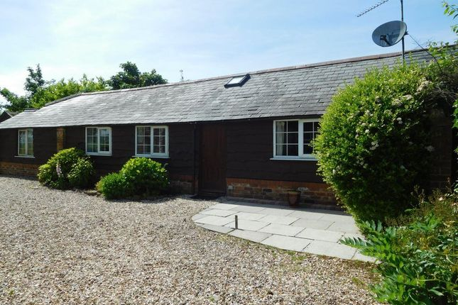 Thumbnail Cottage to rent in Red Barn, Wroughton, Swindon