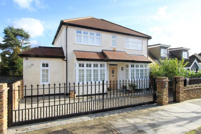 Thumbnail Detached house to rent in Lime Grove, Ruislip