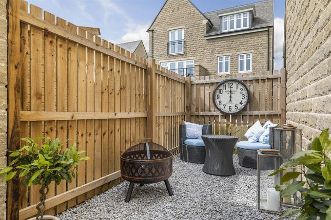 2 bedroom detached house for sale in Mill Way, Otley