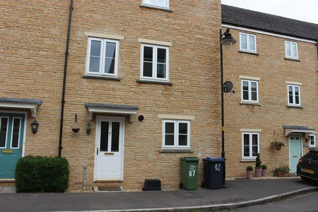 Thumbnail Town house to rent in Linnet Road, Calne
