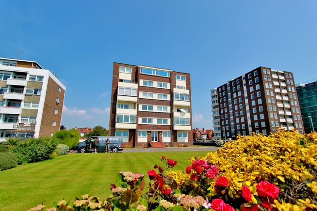 Thumbnail Flat to rent in Marine Parade, Worthing