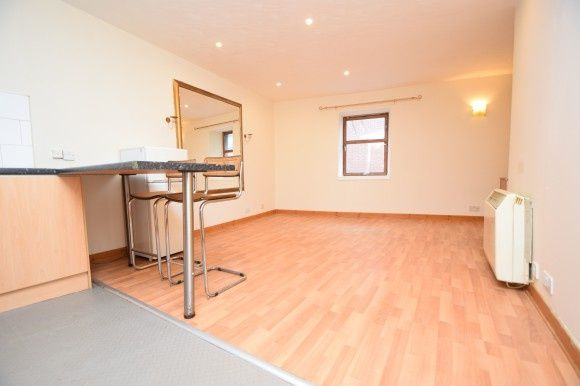 Thumbnail Flat to rent in Baron Taylors Street, City Centre, Inverness