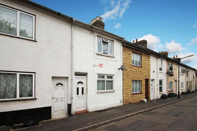 Thumbnail Flat to rent in Hartington Street, Chatham