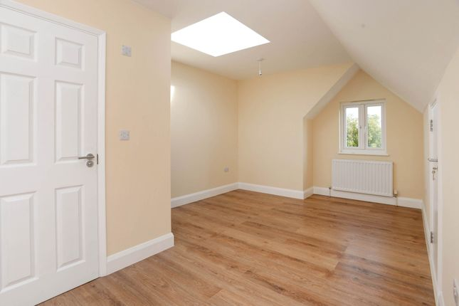 Thumbnail Town house to rent in Napier Road, Gillingham, Kent