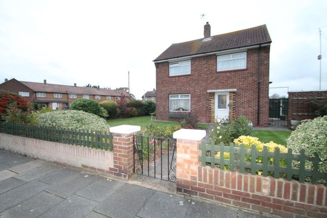 Thumbnail Link-detached house to rent in Waterson Road, Grays, Essex