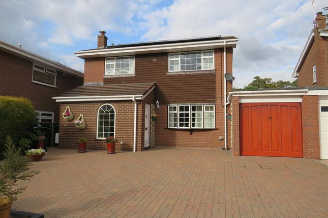 Thumbnail Detached house for sale in Meadow Close, Farndon, Chester